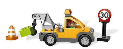 Lego TOW TRUCK #3